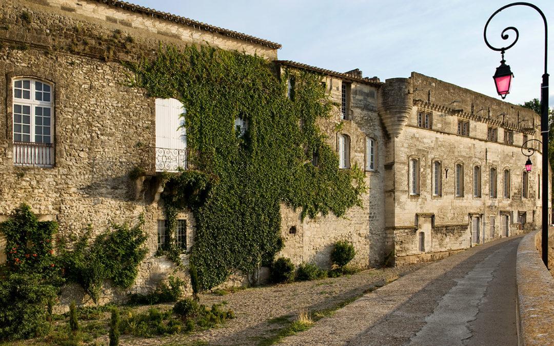 Colombe Clier, les façades nord de la commanderie de Saliers et du Grand Prieuré © Colombe Clier, 2009