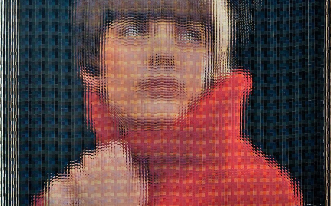 REEVE SCHUMACHER Mireille Mathieu, En direct de l'Olympia (Red) 2019 16 pochettes originales de disques vinyles 33T de Mireille Mathieu : 125 x 245 cm (cadre en fer réalisé par l'artiste) photo © Florent Desmarchez