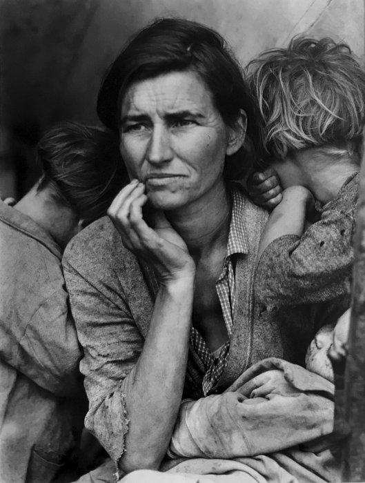 Dorothea Lange (1895-1965), Migrante mère de famille, Nipomo, Californie, 1937, tirage argentique moderne à partir du négatif original, c. 1990, don Sam Stourdzé © The Dorothea Lange