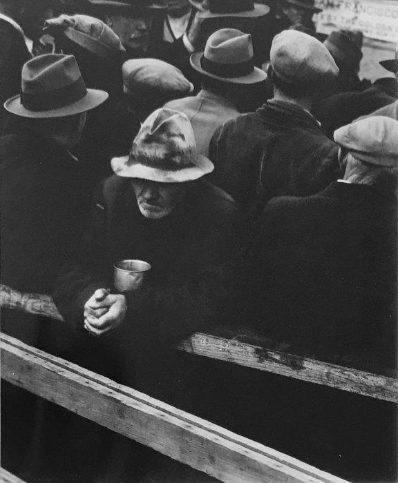Dorothea Lange 1895-1965, Soupe populaire de L'Ange blanc, San Francisco, 1933, tirage argentique moderne à partir du négatif original, c. 199